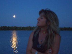Liana, Moon